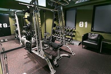 写真:トレーニングマシン